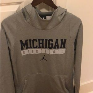 Jordan Michigan basketball hoodie size small